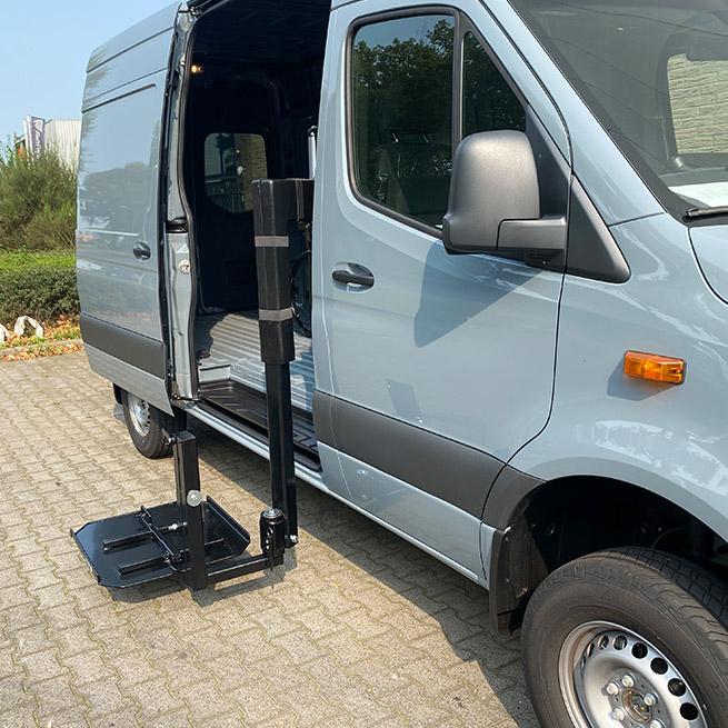 Weersink rolstoellift in camper met lift in rolstoelcamper meerijden of zelf rijden uit