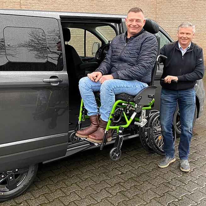 Weersink rolstoellift rolstoelbus prijs eerste zitrij open bus