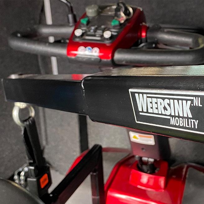 Weersink Scootmobiel opbergen achterin bus lift kofferbak met kofferbaklift