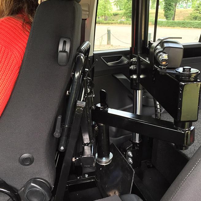 Weersink rolstoelauto meerijden rolstoellift meenemen in rolstoel draaihefstoel prijs