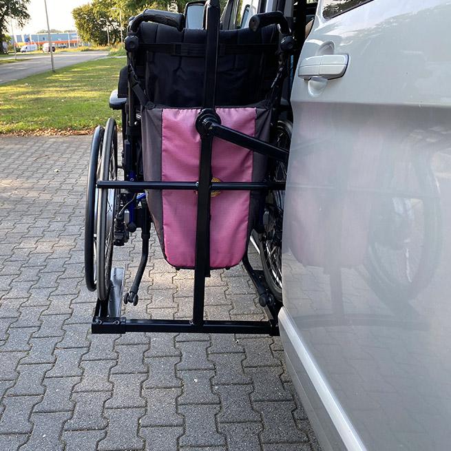 Weersink zelfrijden transfer rolstoellift bus