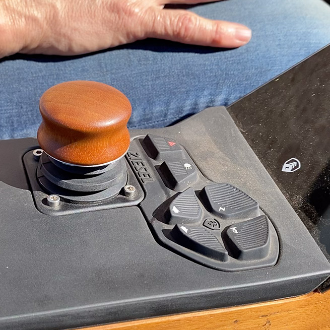 Weersink Ziesel rolstoellift electrische rolstoel lift gas joystick