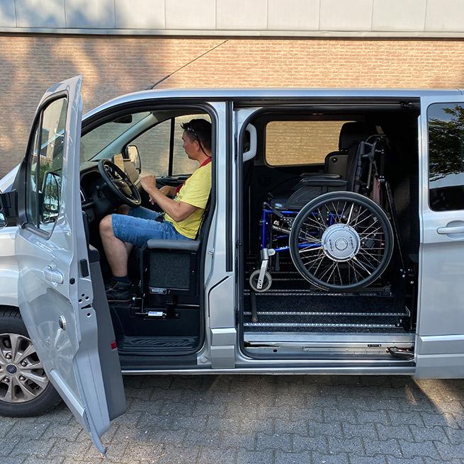 Weersink Mobility zelfrijden transfer rolstoellift bus