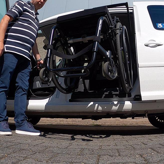 Weersink rolstoel opbergen rolstoellift spin takelen volkswagen caddy