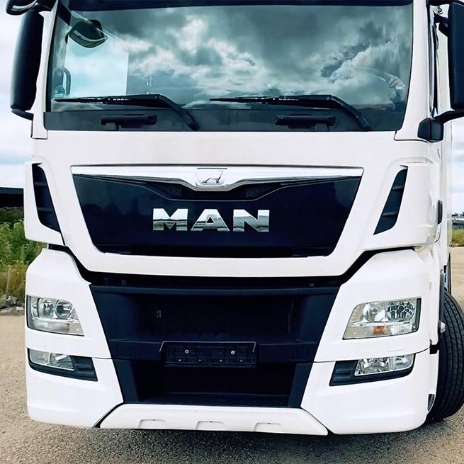 Weersink rolstoellift vrachtwagen truck zelf rijden lastwagen aanpassing MAN
