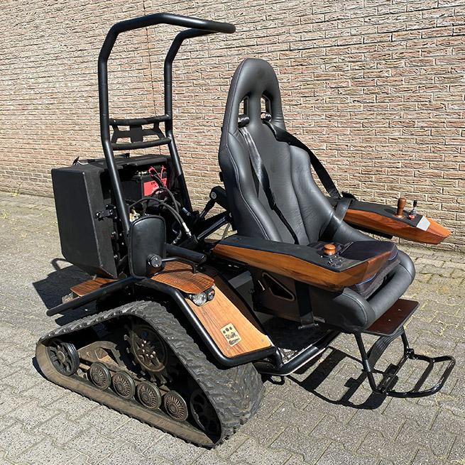 Weersink Ziesel rolstoellift electrische rolstoel lift uitgeklapt