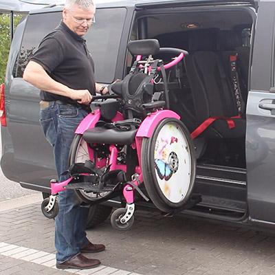 Weersink standaard rolstoellift handgedreven rolstoel rolstoelbus
