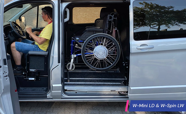 Rolstoelbus Zelfrijder Automaat met transfer rolstoellift