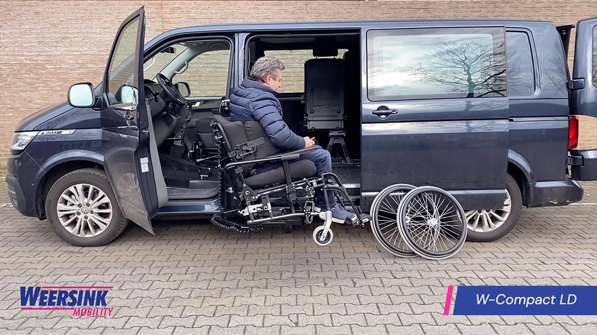 Rolstoelbus zelfrijder automaat met rolstoellift zijkant instappen zelf rijden website thumb