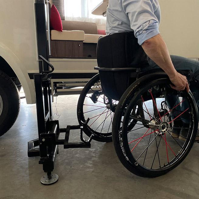 Weersink Camper rolstoel lift rolstoelcamper invalide grond