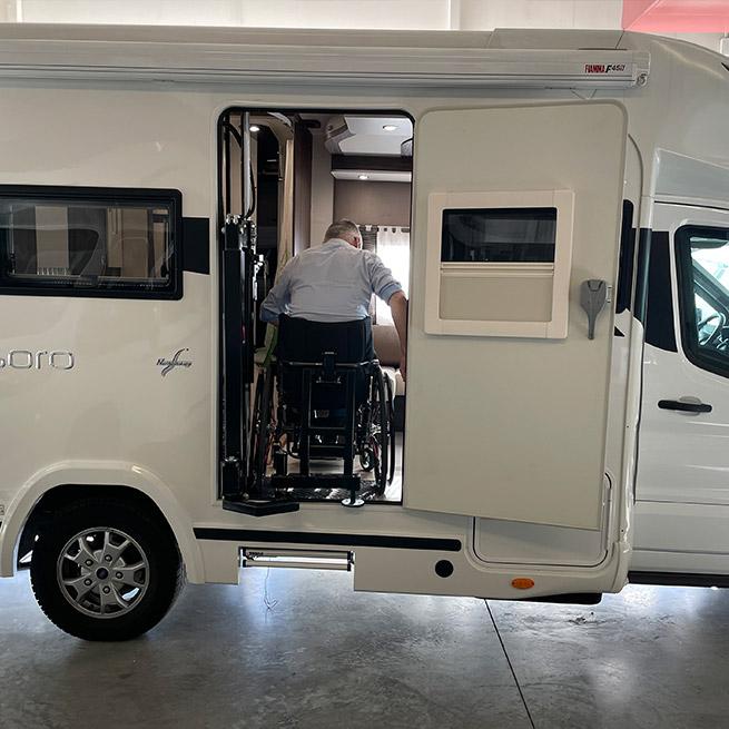 Weersink Camper rolstoel lift rolstoelcamper invalide swing