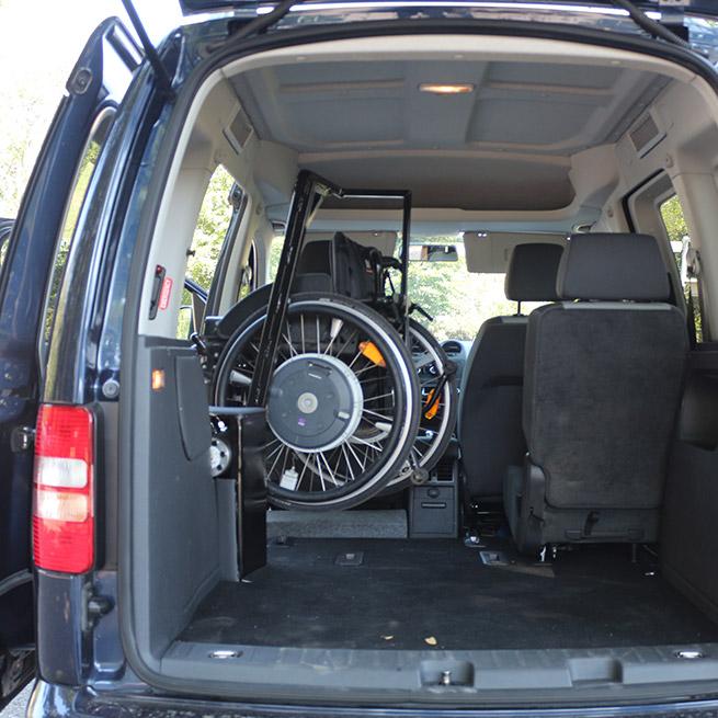 Rolstoellift draailift zijkant opberglift kofferbaklift caddy achter