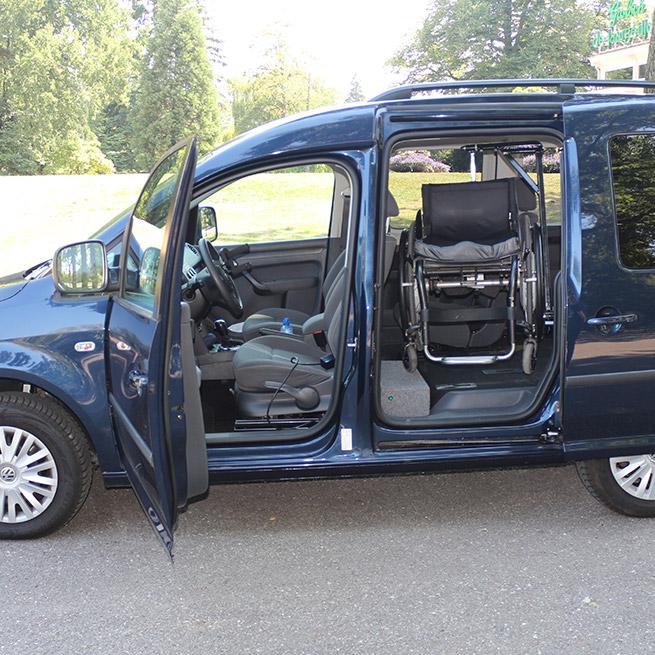 Rolstoellift draailift zijkant opberglift kofferbaklift caddy rolstoel in